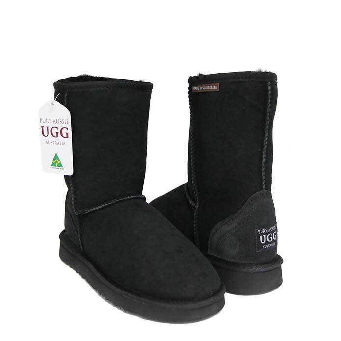 Classic Short Ugg Boots - Black